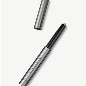 Burberry Highlighting Luminous Pen. Made in Italy